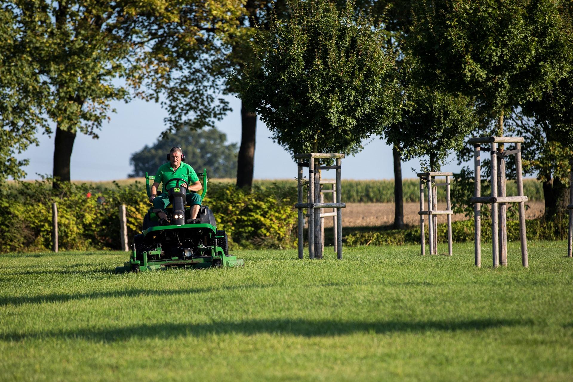 Mennigmann Garten- und Landschaftsbau GmbH Freiflächenpflege