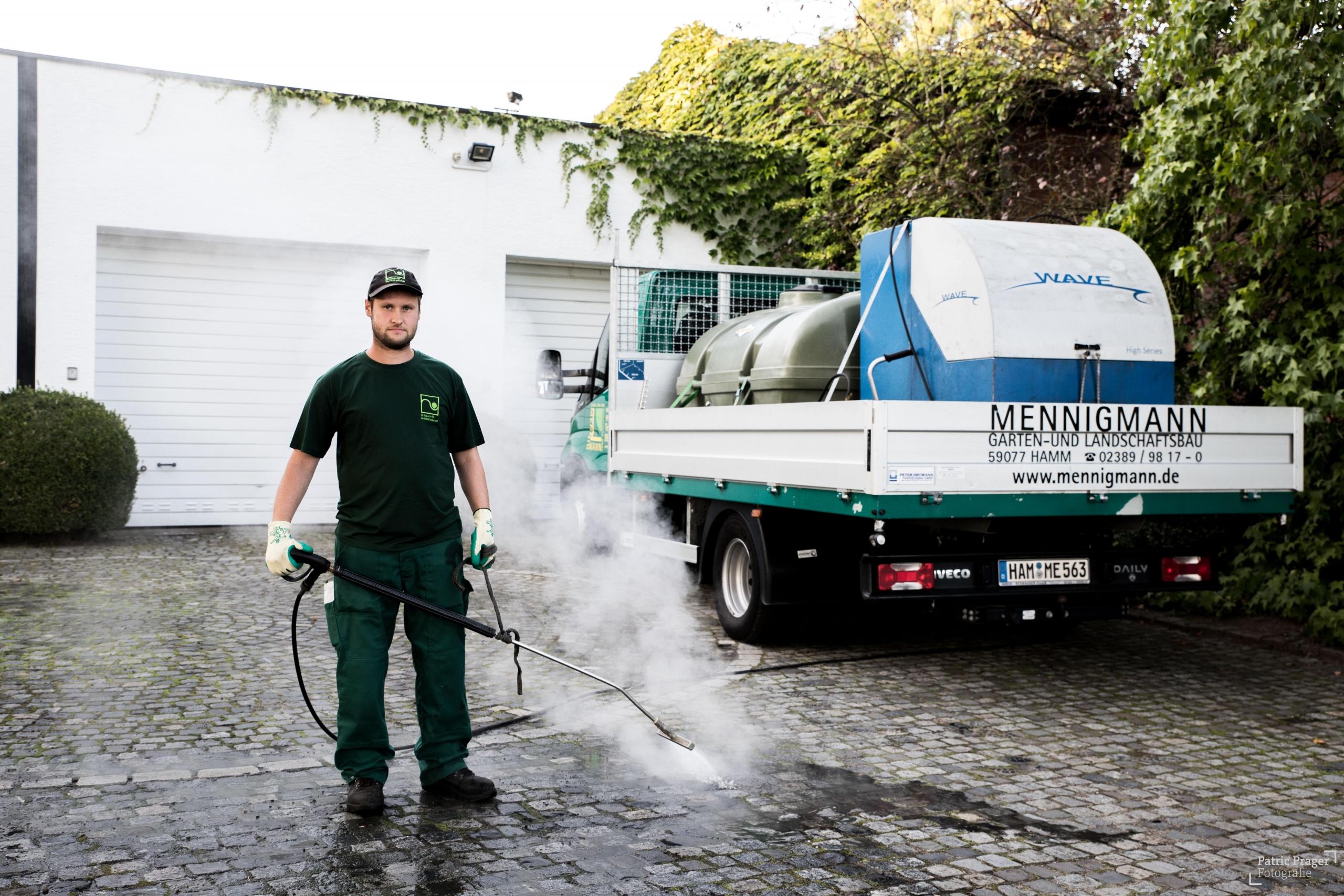 Mennigmann Garten- und Landschaftsbau GmbH Team Wave